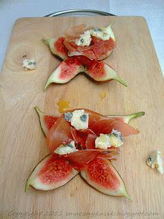 Zdjęcie - Figi z szynką parmeńską, serem 'blue' i miodem - Przepisy kulinarne ze zdjęciami