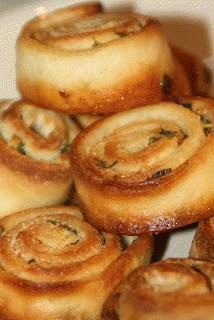 Zdjęcie - czosnkowe zawijaski - Przepisy kulinarne ze zdjęciami