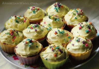 Zdjęcie - Babeczki waniliowe - Przepisy kulinarne ze zdjęciami