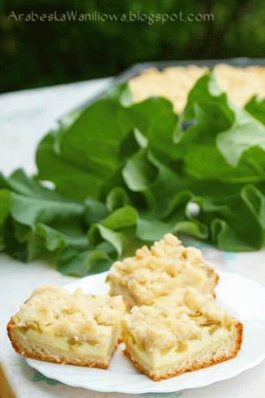 Zdjęcie - Ciasto rabarbarowe z kruszonką - Przepisy kulinarne ze zdjęciami