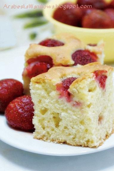 Zdjęcie - Placek z owocami - Przepisy kulinarne ze zdjęciami