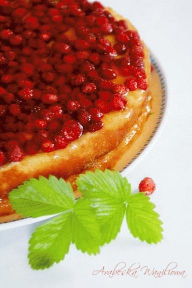 Zdjęcie - Letnie ciasto z poziomkami - Przepisy kulinarne ze zdjęciami