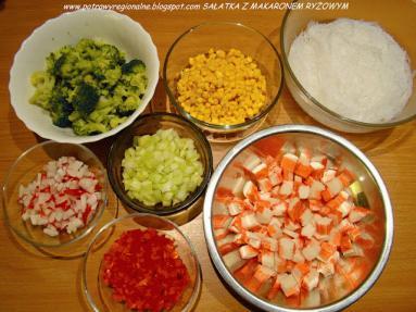 Przepis Salatka Z Makaronem Ryzowym Paluszkami Krabowymi I