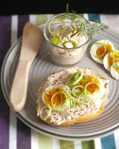śniadanie Do łóżka 83 Kanapkowa Pasta Z łososia