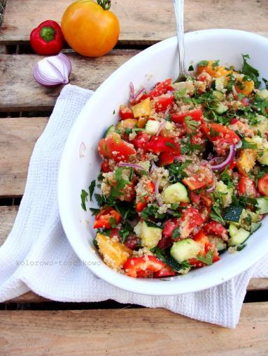Przepis Salatka Pomidorowa Z Quinoa Komosa Ryzowa Proste Przepisy
