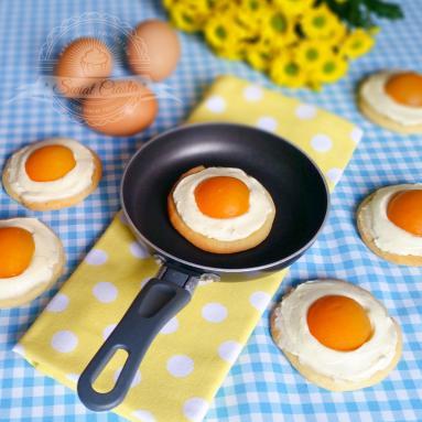 Wielkanocne Ciastka Z Morelami A La Jajka Sadzone