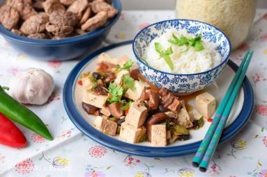 Przepis Tofu Z Grzybami Shiitake I Czarna Fasola Proste Przepisy