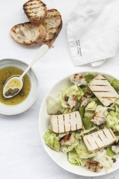 Przepis Salata Cezar Weganska Z Grillowanym Tofu Proste Przepisy